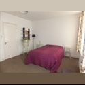 EasyRoommate UK Large Bright  Room in comfortable family home - Worcester, Worcester - £ 368 per Month - Image 1