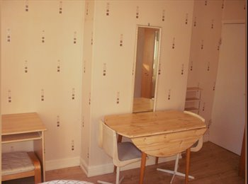 EasyRoommate UK - room to let in shared house - Whittington, Chesterfield - £282