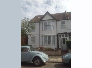 EasyRoommate UK - Bright & Spacious double room in Harrow - Harrow, London - £650