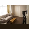 EasyRoommate UK 1 Room Left!!!! - Grimsby, Grimsby - £ 325 per Month - Image 1