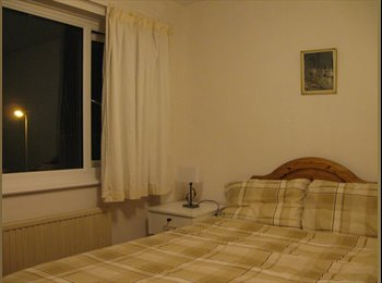 EasyRoommate UK - 2 Double Furnished Rooms nr UKC £520pcm incl bills - Hales Place, Canterbury - £520
