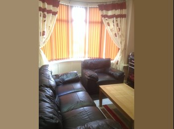 EasyRoommate UK - Double room for rent with one other occupant in 3 - Clayton, Bradford - £390