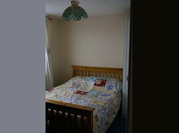EasyRoommate UK - Mon-Fri Lodger sought for Double room in Duston - Duston, Northampton - £350