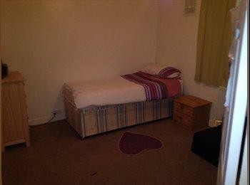 EasyRoommate UK - Double Room - Great Barr, Birmingham - £375