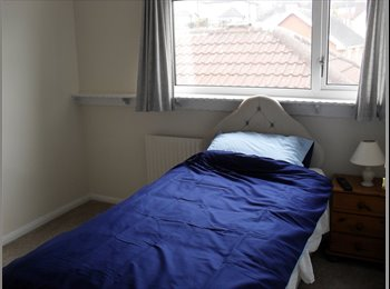 EasyRoommate UK - Furnished room avaliable - Hasland, Chesterfield - £350