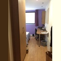 EasyRoommate UK Luxury Students furnished Ensuite room to let - Glasgow Centre, Glasgow - £ 611 per Month - Image 1