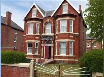 EasyRoommate UK - SOUTHPORT - Large double rooms £90 per week - Marshside, Southport - £390