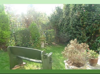 EasyRoommate UK - Double and single rooms to rent - Feltham, London - £500