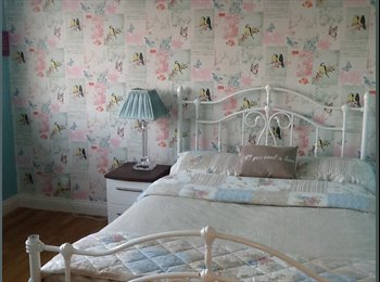 EasyRoommate UK - Double room for rent - Lee-on-the-Solent, Fareham and Gosport - £375