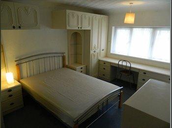 EasyRoommate UK - L-U-X-U-R-Y ROOM, Sky in room - All Bills Incl - Hemel Hempstead, Hemel Hempstead - £550