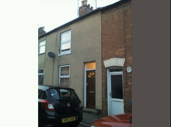 EasyRoommate UK - Quiet old road, modern house in Desborough - Desborough, Kettering - £347