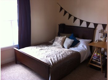 EasyRoommate UK - Good sized double bedroom north city - Norwich, Norwich and South Norfolk - £450
