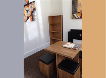 EasyRoommate UK - Looking for a replacement tenant - Ladywood, Birmingham - £416