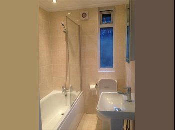 EasyRoommate UK -  1 Double Room in 3-bedroom house in Kew Gardens - Kew Gardens, London - £600