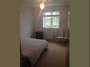 EasyRoommate UK - 1 Double room to rent - Mon to Fri only - Isleworth, London - £542