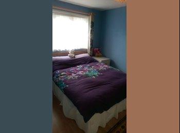 EasyRoommate UK - Double SPACIOUS room. Quiet area - Ifield, Crawley - £375