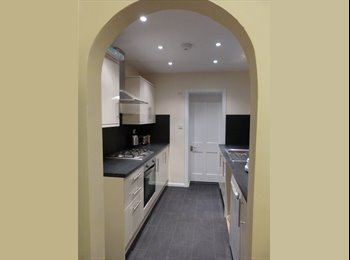 EasyRoommate UK - DOUBLE ROOMS IN NEWLY REFURBISHED HOUSE, WATFORD - Watford, Watford - £550