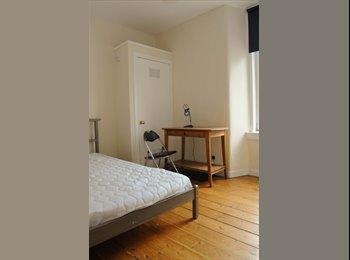 EasyRoommate UK - Flat available in Gorgie £416.50pm - Gorgie, Edinburgh - £383