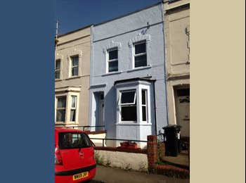 EasyRoommate UK - Double room in nice 2 bedroom place in Totterdown - Bedminster, Bristol - £335