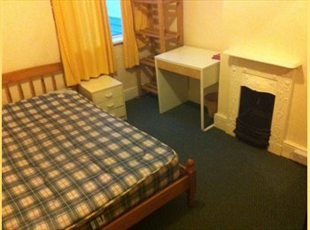 EasyRoommate UK - Looking for 1 female Muslim tenant - Whitechurch, Cardiff - £225
