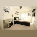 EasyRoommate UK Spacious double + own toilet - Canary wharf area - Canary Wharf, South London, London - £ 900 per Month - Image 1