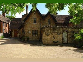 EasyRoommate UK - DOUBLE EN SUITE FURNISHED ROOM BEDFORD - Bedford, Bedford - £500