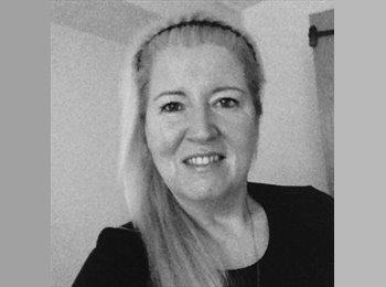 EasyRoommate UK - Ann-Marie - 48 - Bolton