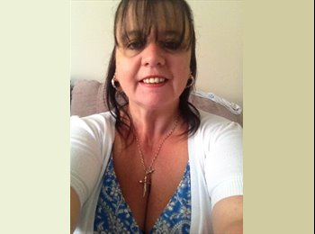 EasyRoommate UK - Angie  - 46 - Grimsby