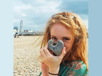 EasyRoommate UK - Emily - 24 - Hart and Rushmoor