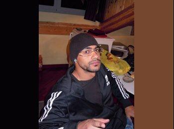 EasyRoommate UK - Omar - 28 - Torquay