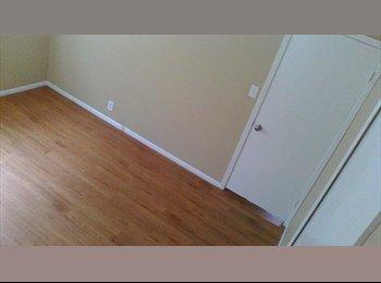 EasyRoommate US - Nice room in large brick house - NE San Antonio, San Antonio - $537