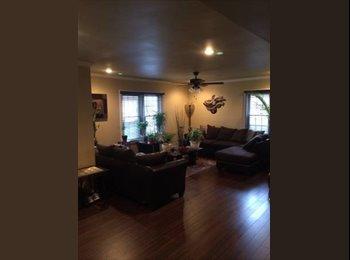 EasyRoommate US - $600 / 2600ft² - $600 Gay couple, 27 & 32 seeking - Louisville, Louisville - $600