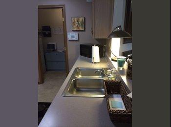 EasyRoommate US - Need a cool working female roomate - Northwest, Columbus Area - $350