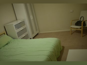 EasyRoommate AU - Walking distance to everything - Enfield, Adelaide - $125