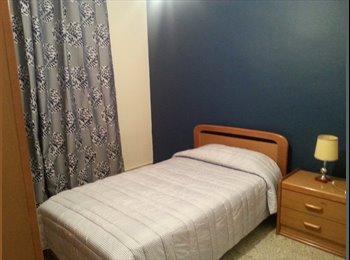 una habitacion disponible