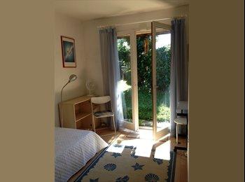 Appartager FR - Très jolie chambre pour jeune femme soigneuse - Annemasse, Annemasse - €500