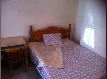 EasyRoommate UK - DOUBLE & SINGLE ROOMS  TO LET IN WORCESTER CITY - Worcester, Worcester - £1