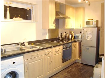 EasyRoommate UK - Furnished Double Room with Balcony - Tottenham, London - £550