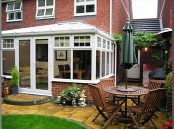 EasyRoommate UK - Double room-Charming 3 bed semi, 3min from station - Hatfield, Hatfield - £640