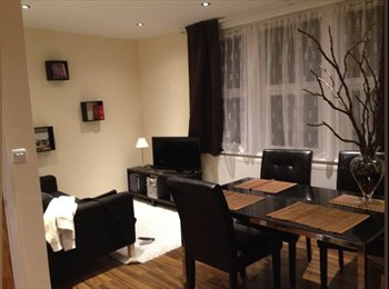 EasyRoommate UK - Ensuite Double Bedroom Tooting Broadway Station - Tooting, London - £775