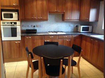EasyRoommate UK - Newly Refurbished double rooms - Pingreen, Stevenage - £500