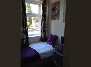 EasyRoommate UK - SUPERB EN-SUITE PRIVATE LUXURY ROOMS - Horninglow, Burton-on-Trent - £477