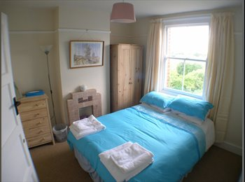 EasyRoommate UK - ROOM to LET in student house - Canterbury, Canterbury - £320