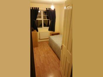 EasyRoommate UK - Great house seeks a final addition! - Smethwick, Birmingham - £280