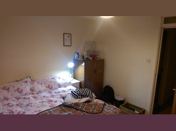 EasyRoommate UK - One fantastic double room in Canada water - Surrey Quays, London - £720