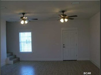 EasyRoommate US - Roommate Wanted! Share 3BD 3BA 2 Story Home - Panama City, Other-Florida - $625