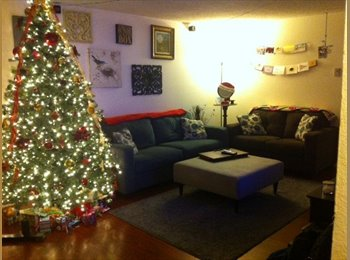 EasyRoommate US - Spacious Townhome Room for Rent - Northgate, Seattle - $750