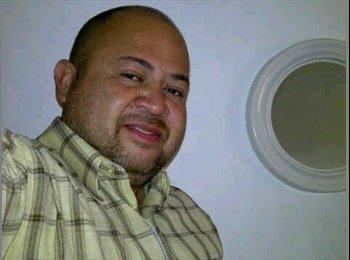Gilberto - 44 - Profesional