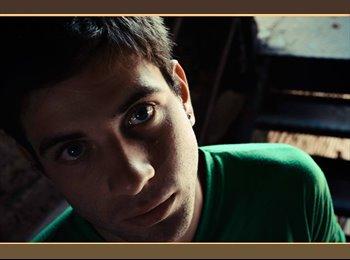 Jose Carlos - 22 - Estudiante