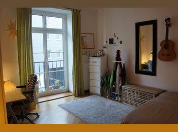 18qm Zimmer in großer sanierten Altbauwohnung